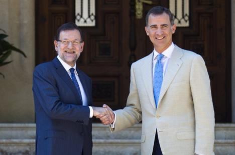 Rajoy se reune con el Rey para abordar la situación de Cataluña