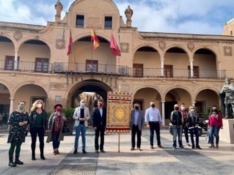 La Federación San Clemente estrena una réplica del estandarte almohade conservado en las Huelgas Reales de Burgos