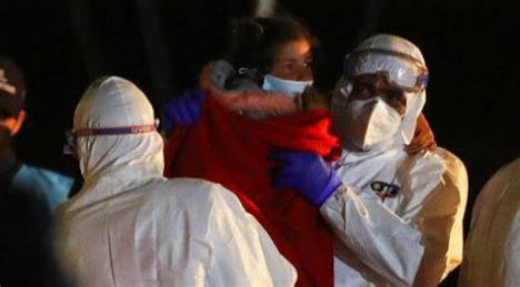 Dos muertos y nueve desaparecidos tras el naufragio de una patera en aguas de Mazarrón