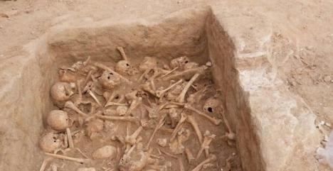 Encuentran un osario con 90 cráneos y varios huesos humanos en unas obras en la calle Atocha