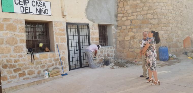 La Concejalía de Educación destina casi 20.000 euros a una veintena de actuaciones de mejora y mantenimiento en centros educativos del municipio durante este verano