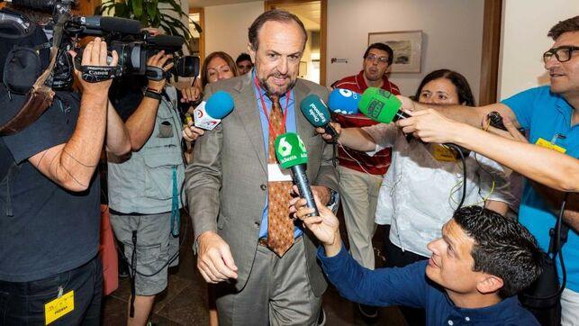 """Francisco Lucas: """"El alcalde de Murcia delega la gestión de los servicios de 30.000 murcianos en las políticas extremas y antisociales de VOX"""""""