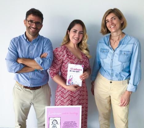 Tatiana Murcia publica su primer libro: 'El milagro de sus ojos', dedicado a su hijo Domenick que padece una cardiopatía congénita