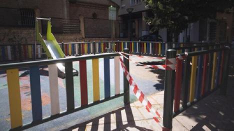 El Ayuntamiento de Águilas cierra parques y jardines de la localidad siguiendo las recomendaciones de las autoridades sanitarias