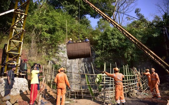 El Julen indio, rescatado muerto tras cuatro días atrapado en un pozo en India