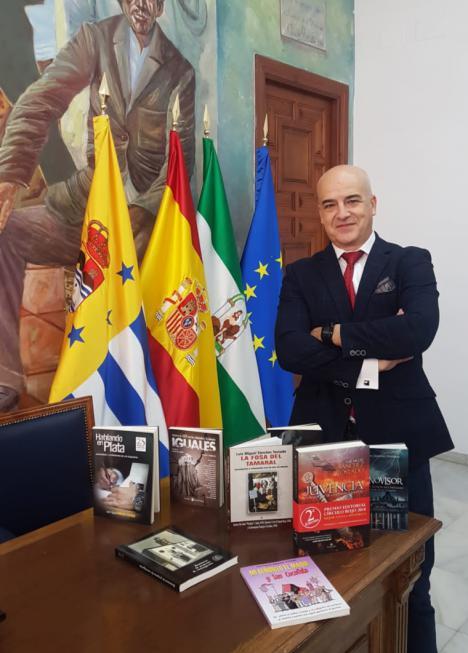 El jienense Luis Miguel Sánchez Tostado gana el II Certamen Internacional de Relato Corto Rincón de la Victoria