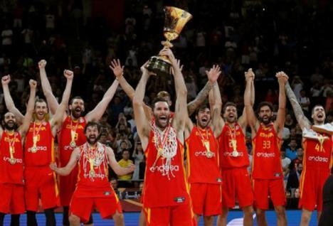 España se lleva por segunda vez el campeonato del mundo de baloncesto frenta a Argentina por 75 a 95