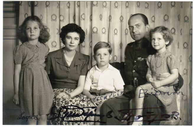 SOFÍA DE GRECIA Y FAMILIA