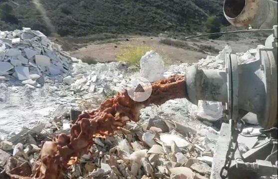 """Multan al """"irresponsable"""" del video de la nevera de Olula del Río, y silencian los vertidos ilegales del Alcalde de Macael"""