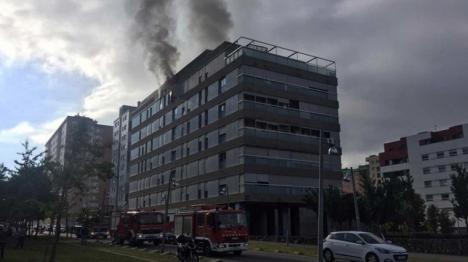 Herido grave el supuesto autor de una explosión en un bloque deTarrasa al intentar suicidarse