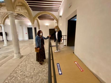 El Ayuntamiento de Lorca lleva a cabo trabajos en el interior del Palacio de Guevara para mejorar la accesibilidad y evitar humedades en el patio lateral