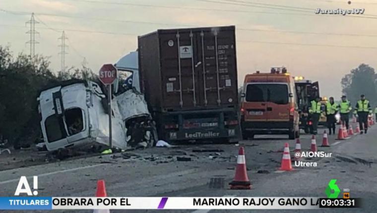 Cinco muertos en Utrera, al chocar un camión con una furgoneta