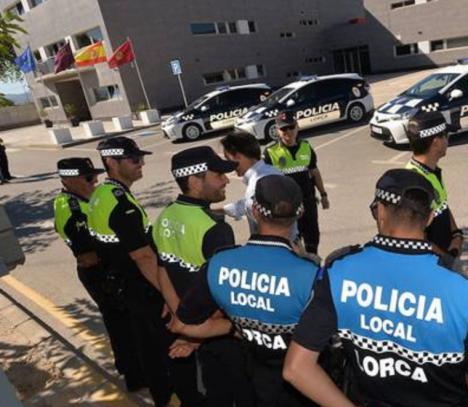 Una persona detenida en Lorca por el robo en el interior de varios vehículos