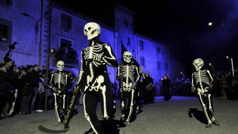 """La """"Danza de la Muerte"""" en localidad gerundense de Verges"""
