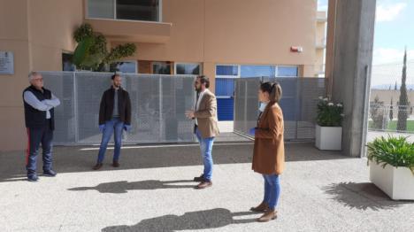El Alcalde de Lorca supervisa junto a los ediles de Sanidad y Deportes las instalaciones deportivas municipales puestas a disposición del Servicio Murciano de Salud