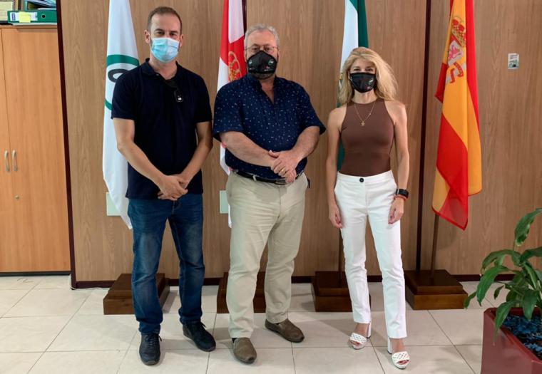 El presidente autonómico de CSIF Justicia, Manuel Moreno visita los centros de trabajo de Almería