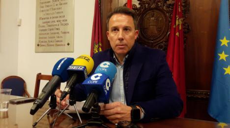 Fulgencio Gil propone que el Ayuntamiento exija a Pedro Sánchez que no negocie un acuerdo que quebrante la unidad de España y la igualdad entre españoles