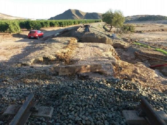 Los trenes de cercanías entre Lorca Águilas volverán a prestar servicio mañana tras los trabajos de reparación de los daños causados por las lluvias torrenciales