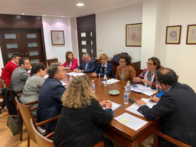 """Fulgencio Gil exige al PSOE que aclare el bloqueo en la obra del Palacio de Justicia: """"la empresa se puede ir sin haber puesto un ladrillo y con 800.000 € en el bolsillo"""""""