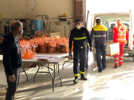Ayuntamiento de Puerto Lumbreras y Cruz Roja inician el reparto de productos de primera necesidad a las familias más vulnerables del municipio