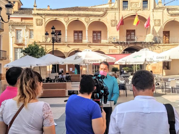 """Fulgencio Gil: """"para frenar el Covid en nuestro casco urbano tenemos que recuperar el espíritu de compromiso social que mostramos frente al terremoto"""""""