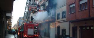 Rescatadas 6 personas en el incendio de una vivienda en Yecla