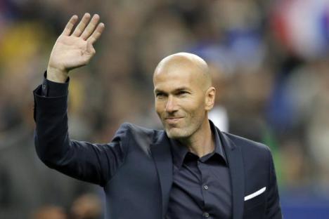 Zinedine Zidane anuncia por sorpresa que se va