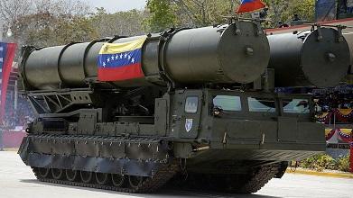 Nicolás Maduro moviliza la artillería de Venezuela por supuestos 'ataques terroristas financiados desde Colombia y Estados Unidos'