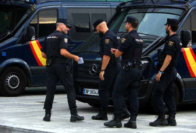 Los policías desplazados a Cataluña podrán votar el 10-N
