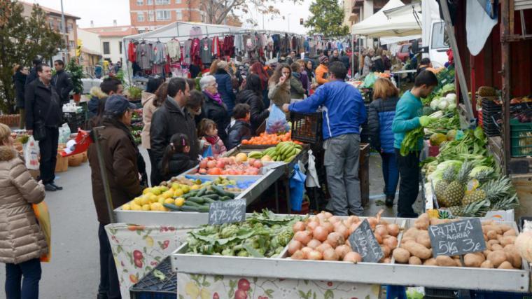 El Ayuntamiento de Lorca autoriza la celebración del Mercado Semanal del Huerto de la Rueda con fuertes restricciones de aforo y bajo cumplimento estricto de las recomendaciones sanitarias