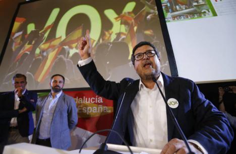 """Vox pretende amedrentar a los periodistas andaluces y estos le declaran que consideran al partido de ultradercha,"""" un detractor de la libertad de información"""""""