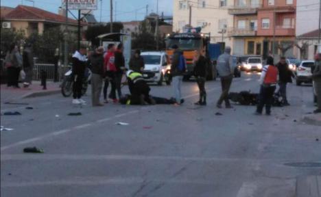 Fallece un motorista de 32 años al chocar contra un coche