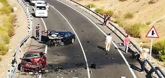 Una mujer ha fellecido y tres personas están heridas, entre estas, un niño de un año en un accidente de tráfico en Linares.