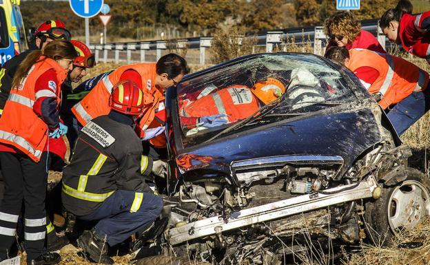 Tres jóvenes muertos y tres heridos, balance de un accidente de tráfico en Salamanca