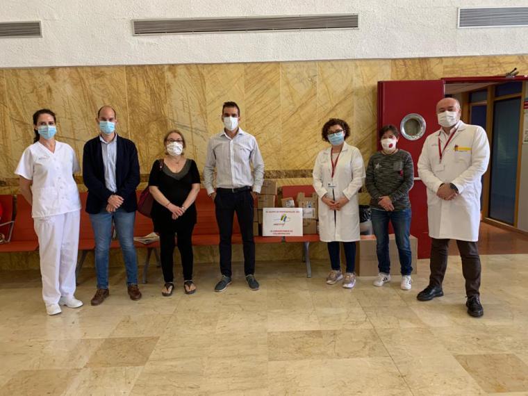 La Asociación de Diabéticos de Lorca y su comarca (ADILOR) dona 130 glucómetros a los centros de salud del municipio