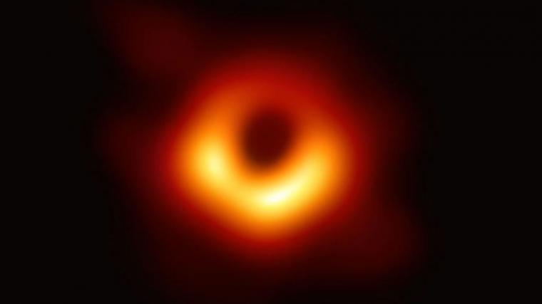 Los astrónomos captan la primera imagen de un agujero negro
