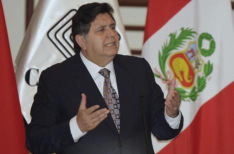 El expresidente de Perú, Alan García se pega un tiro cuando iba a ser detenido