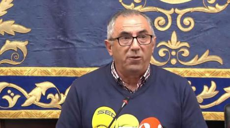 El alcalde de Pedrera rectifica: