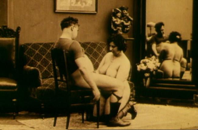Alfonso XIII , el rey del cine porno en España