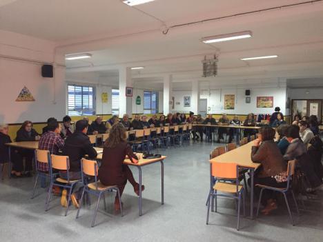 """La AMPA del C.E.I.P. Virgen del Saliente denuncia que Torrecillas obliga a Educación de Adultos a abandonar el edificio del Fenoy para """"tirarlo""""."""