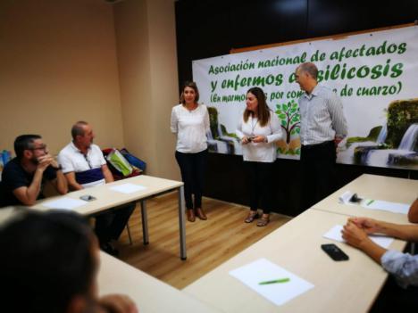 Más de 300 casos de silicosis identificados en Andalucía, según la Junta (LA VANGUARDIA)