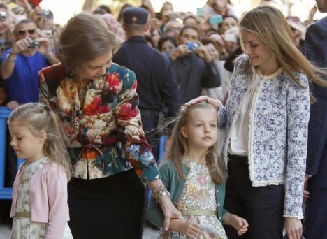 Letizia no le permite a su suegra que vea a Leonor y Sofía
