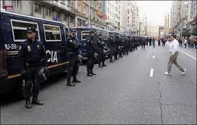 Interior moviliza a la policía en Cataluña