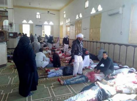Duelo en Egipto tras la masacre
