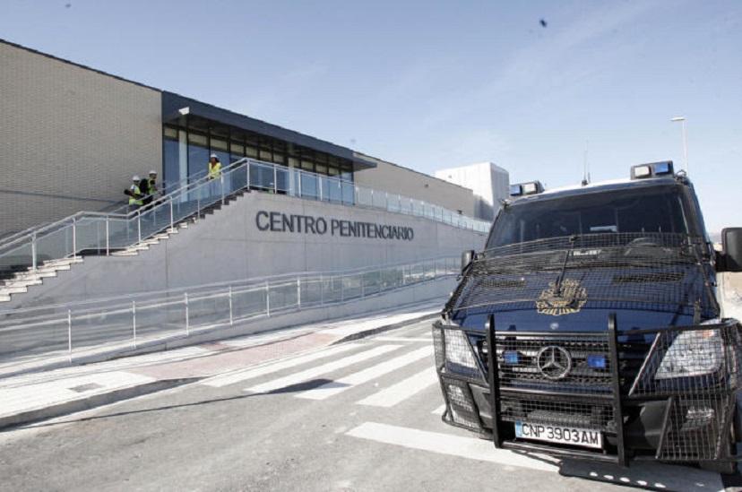 Los presos de la cárcel de Pamplona llevan una semana sin atención sanitaria, por no tener médico