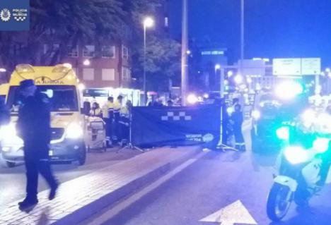 Una mujer muere atropellada por una moto de la Policía Local de Murcia