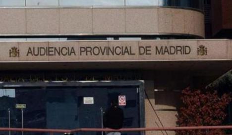 A juicio una mujer que amenazó con tirarse por la ventana con su hija de 2 años en Alcorcón