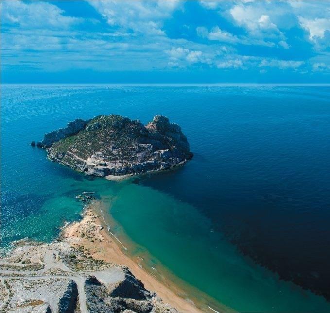 La Armada realizará intervenciones subacuáticas en la bahía del Hornillo, en Águilas