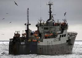 Un marinero muere que caer al mar en Touriñán