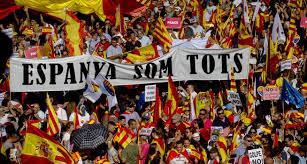 Los catalanes se echan a la calle midiendo fuerzas con el independentismo